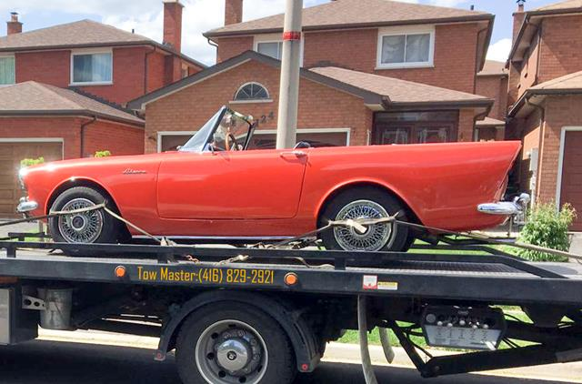 Classic Vehicle Safe Towing by Tow Master in Toronto